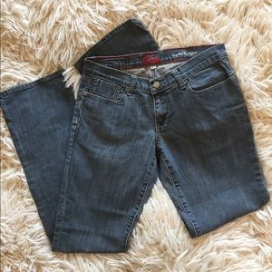 Jeans Blue Cult size 27 inseam 31 buttlifter